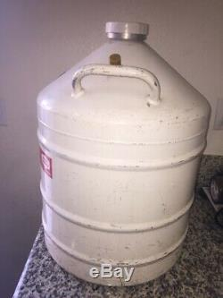 31-Liter Union Carbide Cryogenics Type UC-31 Liquid Nitrogen Dewar with Cap