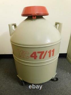 Chart MVE XC 47-11 Mobile Liquid Nitrogen Storage Tank Dewar With 10 Canisters
