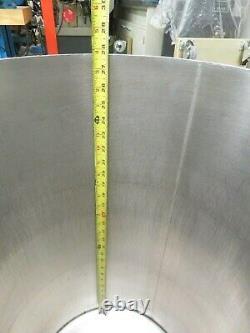 MVE Cryogenics Liquid Nitrogen Dewar Model XLC 230 Double Walled Vacuum Vessel