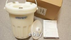 Nalgene Benchtop Dewar Flask 2L -196 to +100°C for liquid nitrogen LN2 / dry ice