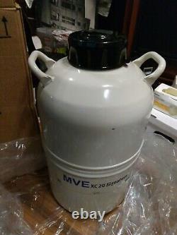 R20997886 Chart MVE Cryogenics Liquid Nitrogen Dewar Tank with Four Canisters xc20