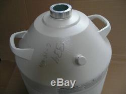 UNION CARBIDE Liquid Nitrogen Dewar 32-Liter 32 LD PGT Cryo Lab Tank Chamber