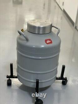 Union Carbide Linde Liquid Nitrogen Dewar Cryogenic Tank LR-31-MP
