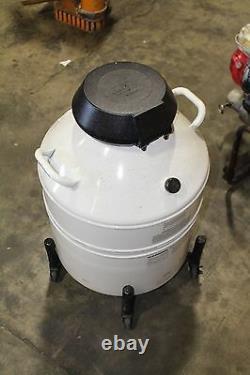 VWR CryoPro Liquid nitrogen dewar CC-3